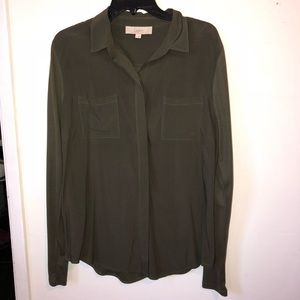 Loft olive green button up long sleeve blouse 💚